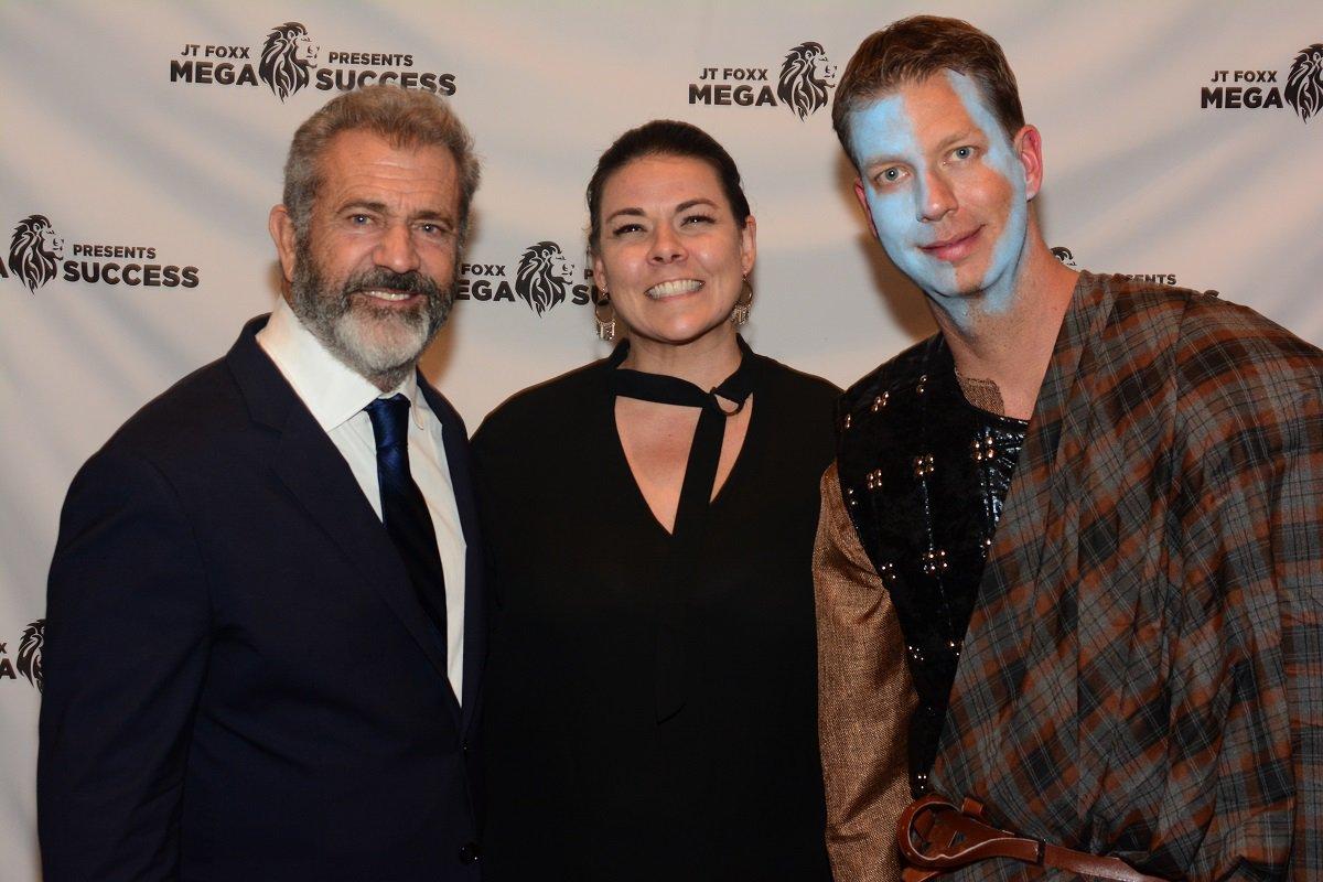 Mel Gibson, Coach Audra, JT Foxx