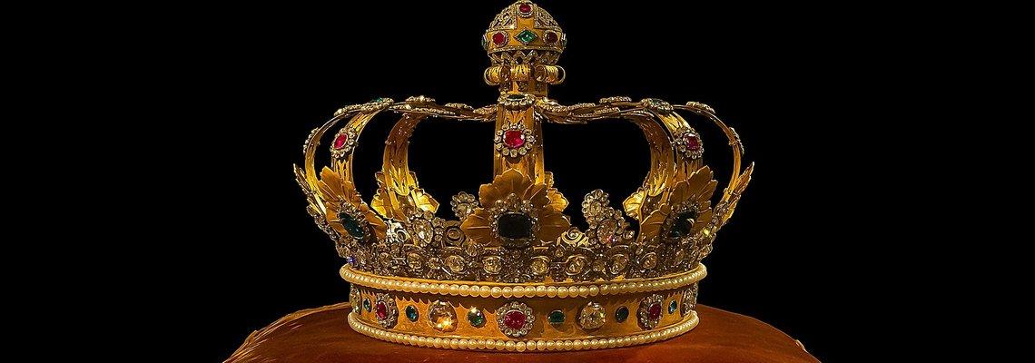 crown-759296_1920.jpg