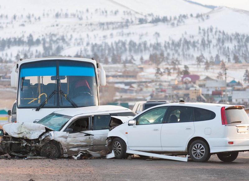 bus-accident-car-collision-min.jpg