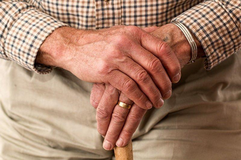hands-981400_1280.jpg