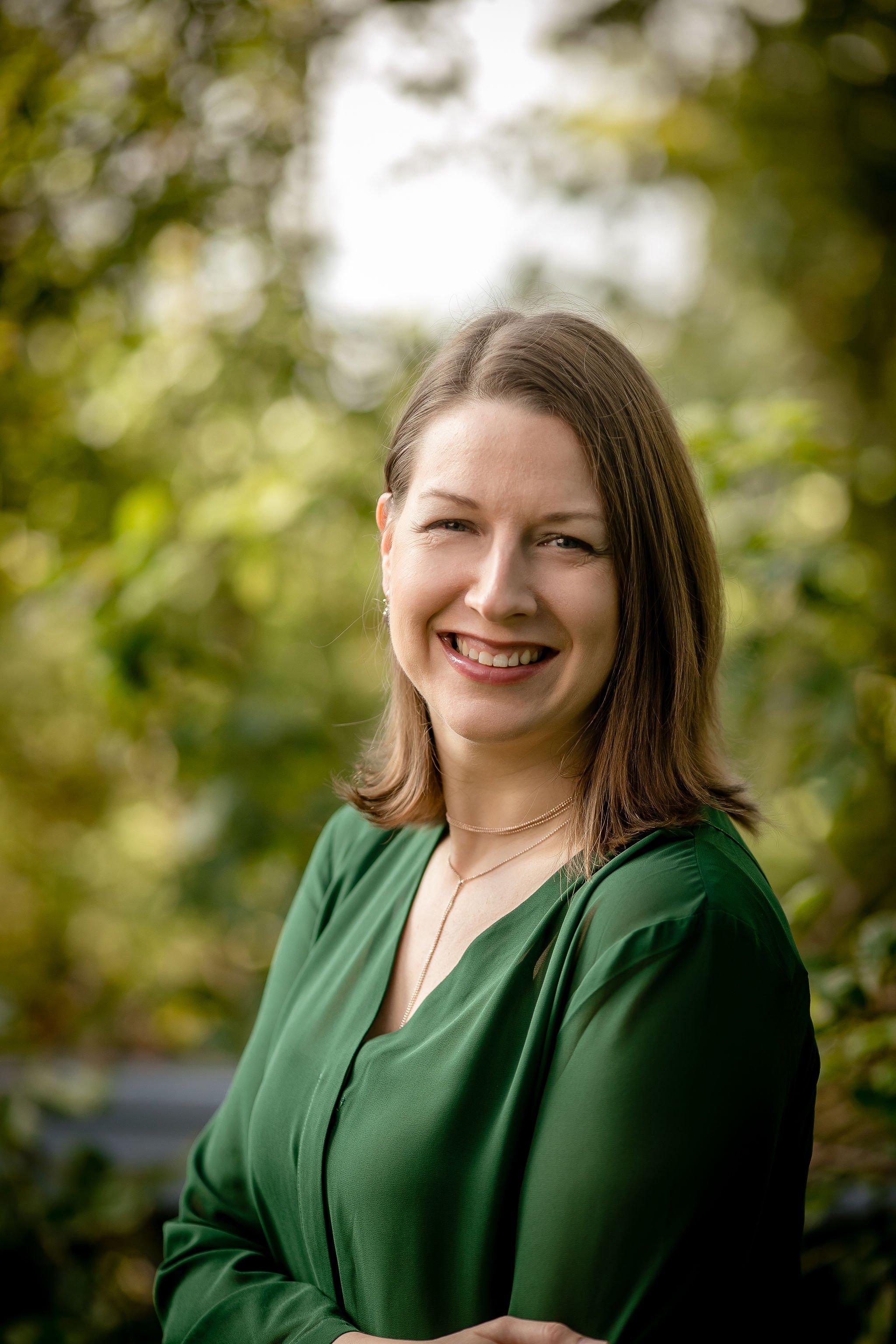 Senior Consultant Dr. Lindsey Lee
