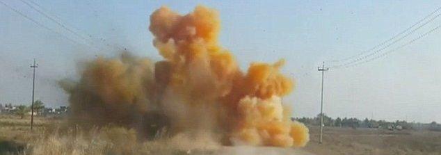 Chlorine Gas - roadside bomb.jpg