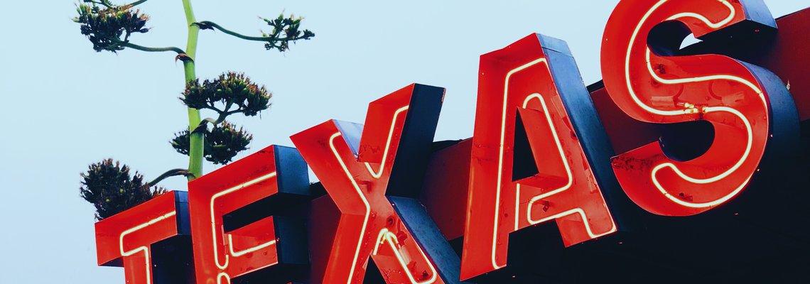 Neon Texas sign